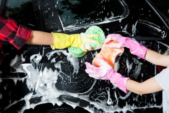 コーティングをした車にワックスや洗車機はOK? イメージ