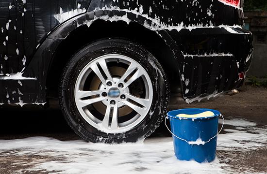 コーティングした車の洗車はシャンプーが必要か?